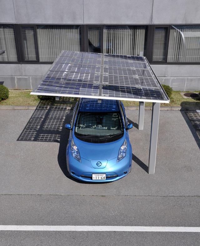 ライトスルー太陽電池搭載カーポート「ソーラーパーク」