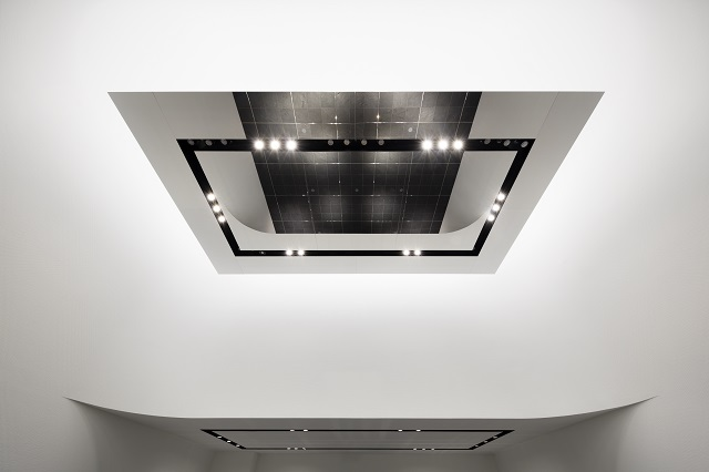 The mirror polished ceiling panels