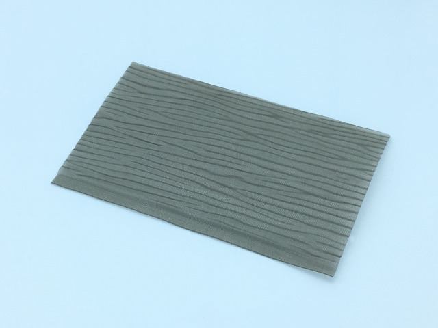 Pressed mesh, wave pattern. A simple change in the colour of the background can create a varying impression.