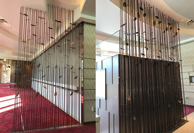 Mirror polished and bronze colour clear coated stainless steel decorative partition