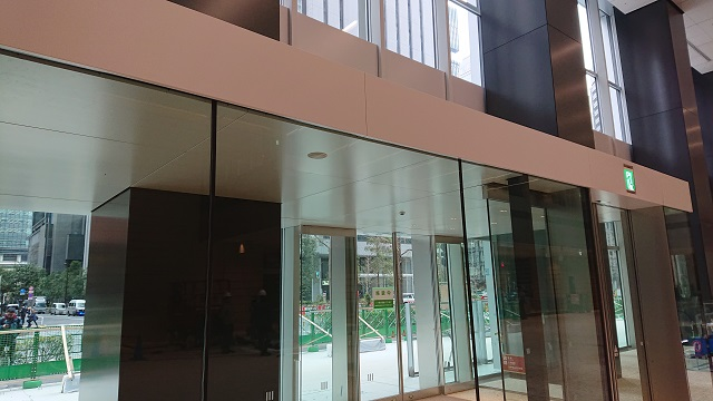 The windbreak room at the entrance lobby. Line with Kikukawa's ceiling, soffit and roof panels.