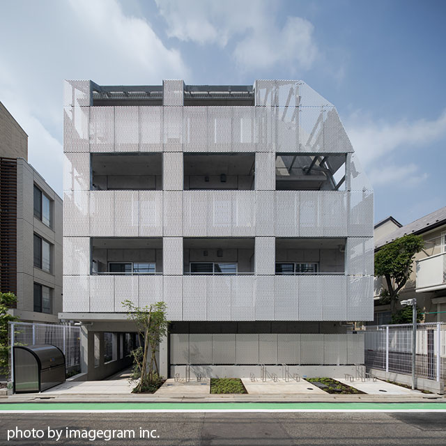 Granduo Wakabayashi V, north facade.