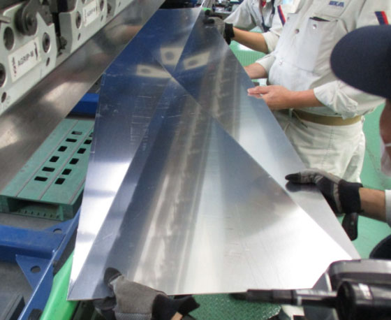 Panels bent with bespoke bending. Multiple tests were conducted to ensure the quality.