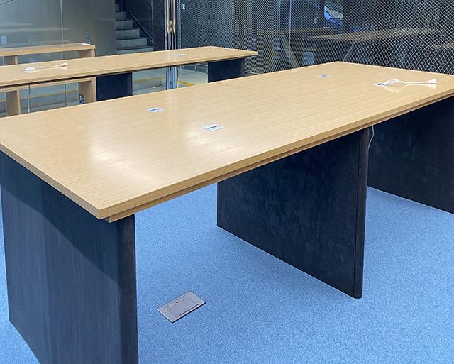 Zinc phosphate coated table legs