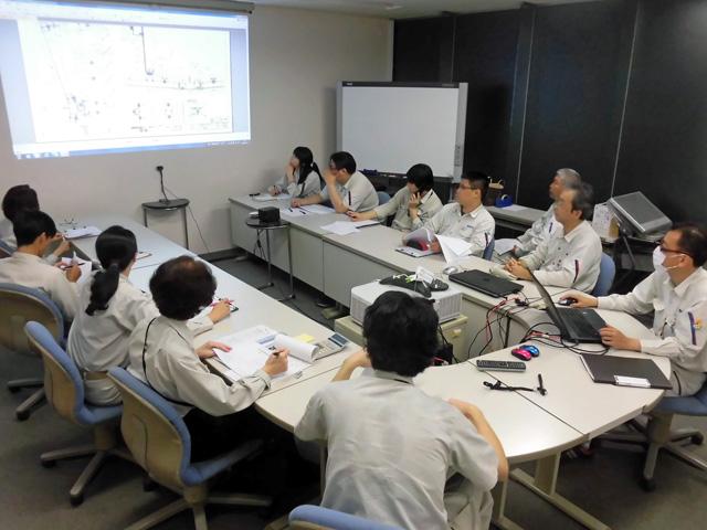 予算書の策定方法を共有する製造管理部門