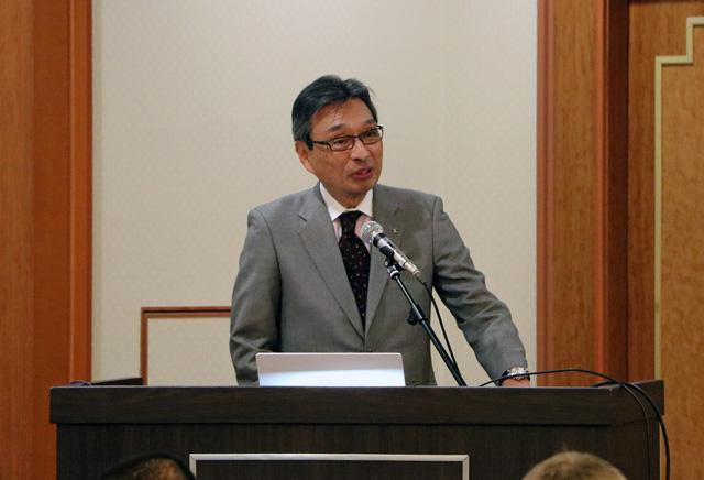 講演する社長の宇津野。普段ご紹介できない技術開発の秘話もお話することが出来ました。
