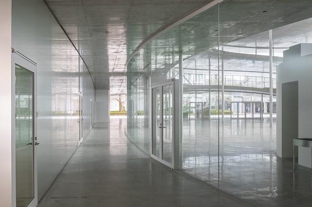 大阪芸術大学アートサイエンス学科棟:講義室