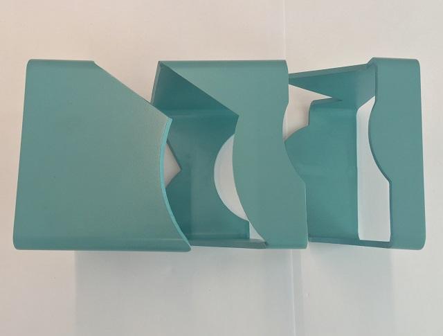 角パイプのピースを離すと、曲線や直線の切断、テーパー切断も行っていることがわかります
