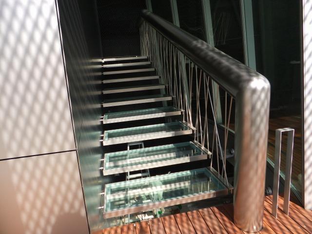 L字型になっている2階部分の手摺。