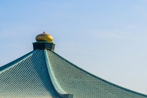 日本武道館の一番上に設置された擬宝珠(ぎぼし)