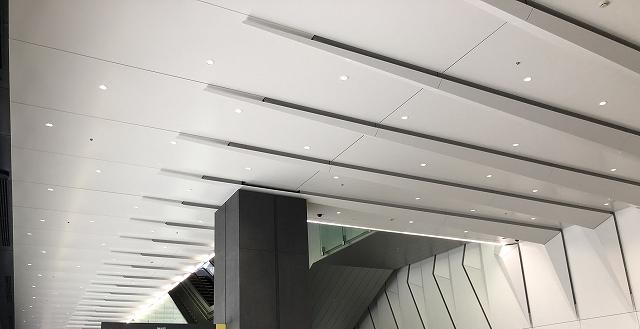 空調機能とデザインを両立している折り板パネル